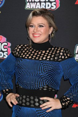 LOS ANGELES - JUN 22:  Kelly Clarkson at the 2018 Radio Disney Music Awards at the Loews Hotel on June 22, 2018 in Los Angeles, CA