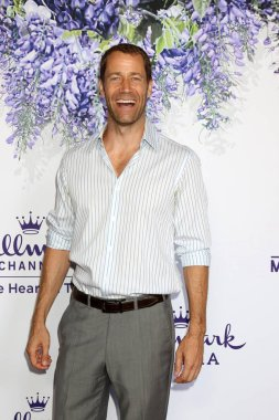 LOS ANGELES - JUL 26:  Colin Ferguson at the Hallmark TCA Summer 2018 Party on the Private Estate on July 26, 2018 in Beverly Hills, CA