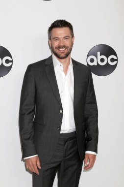 LOS ANGELES - AUG 7:  Charlie Weber at the ABC TCA Party- Summer 2018 at the Beverly Hilton Hotel on August 7, 2018 in Beverly Hills, CA
