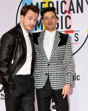 LOS ANGELES - OCT 9:  Joseph Mazzello, Rami Malek at the 2018 American Music Awards at the Microsoft Theater on October 9, 2018 in Los Angeles, CA