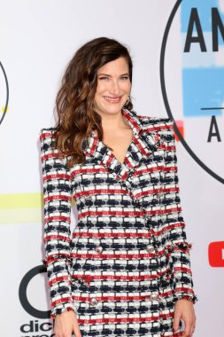 LOS ANGELES - OCT 9:  Kathryn Hahn at the 2018 American Music Awards at the Microsoft Theater on October 9, 2018 in Los Angeles, CA