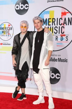 LOS ANGELES - OCT 9:  Michael Trewartha, Kyle Trewartha, Grey at the 2018 American Music Awards at the Microsoft Theater on October 9, 2018 in Los Angeles, CA