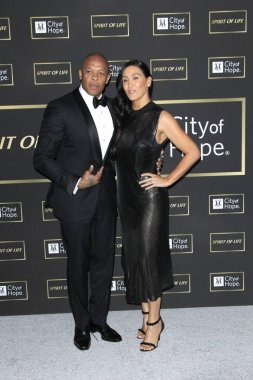 LOS ANGELES - OCT 12:  Dr Dre, Nicole Young at the City of Hope Gala at the Barker Hanger on October 12, 2018 in Santa Monica, CA