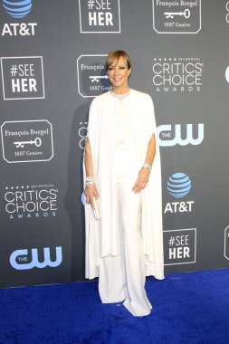 LOS ANGELES - JAN 13:  Allison Janney at the Critics Choice Awards  at the Barker Hanger on January 13, 2019 in Santa Monica, CA