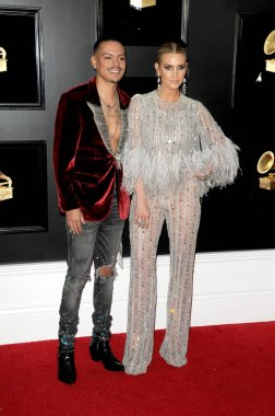 LOS ANGELES - FEB 10:  Evan Ross, Ashlee Simpson at the 61st Grammy Awards at the Staples Center on February 10, 2019 in Los Angeles, CA
