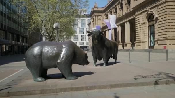 Seguimiento FrancfortTiro Y Toro Estatuas La De En Bolsa Del Las Oso w8OXNkn0PZ