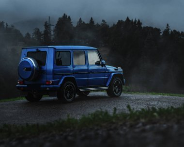 Great adventure in Austria with a G500 where we stopped in the nature. Morning hours with the G-Class. Blue hours