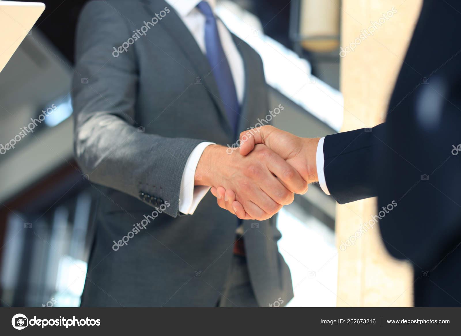 Рукопожатие гомосексуалистов