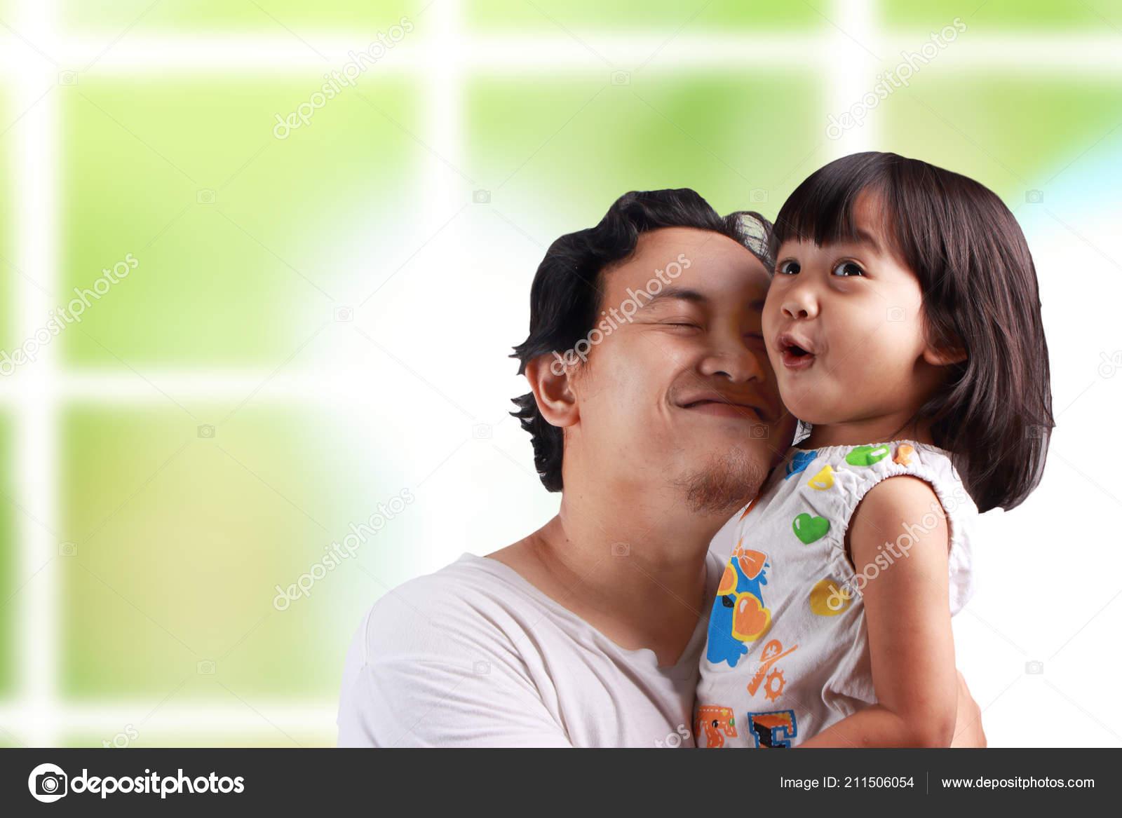 Толстая дочь и отец онлайн, Толстая дочка -видео. Смотреть толстая дочка 19 фотография