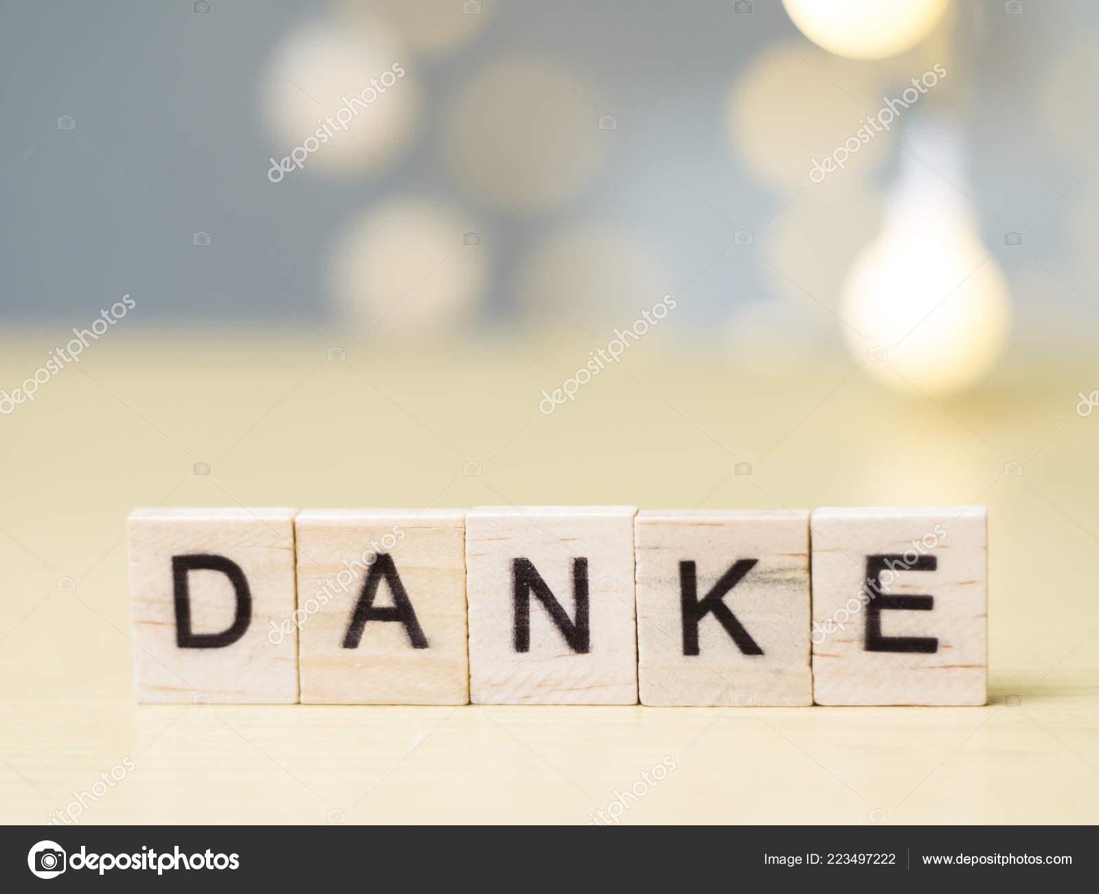 Danke Alemán Palabras Carta Agradecimiento Tipografía Madera