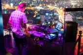 DJ - Party-ra tető-ból épület zene szórakozás