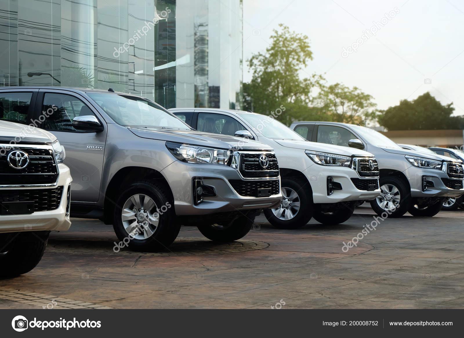 Bangkok Thailand May 2018 Row New Pickup Trucks Sale Toyota – Stock