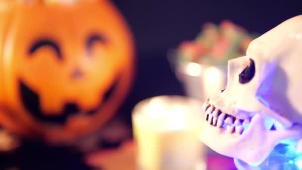 Candy s dýně kbelík pro halloween záběry kolekce