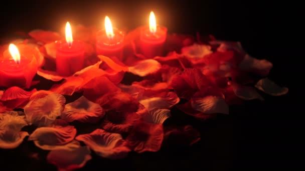 Blütenblätter mit Kerze Filmmaterial zur Begrüßung Valentine Day Kollektion