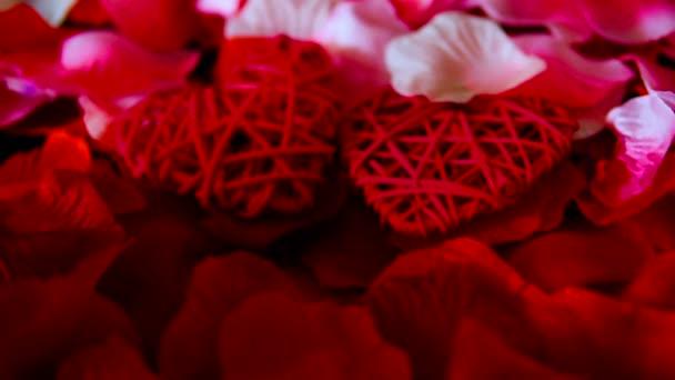 Záběry z okvětních lístků růže a srdce dekorace pro Valentine den kolekce