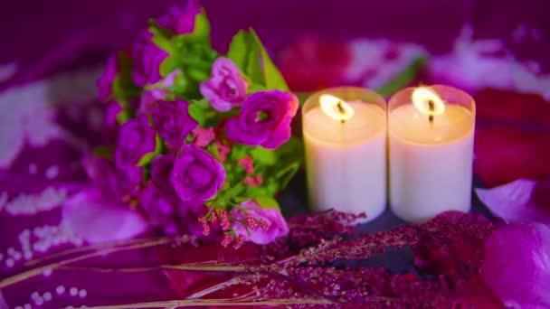 Aus dem Valentinstag mit Bouquet, Kerze Footage Kollektion