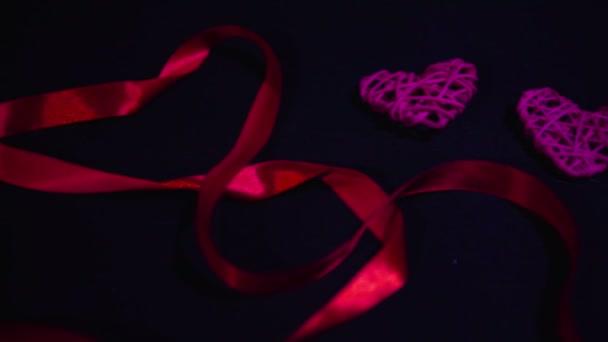 Záběry z pásu karet a dekorace srdce. Valentine den kolekce