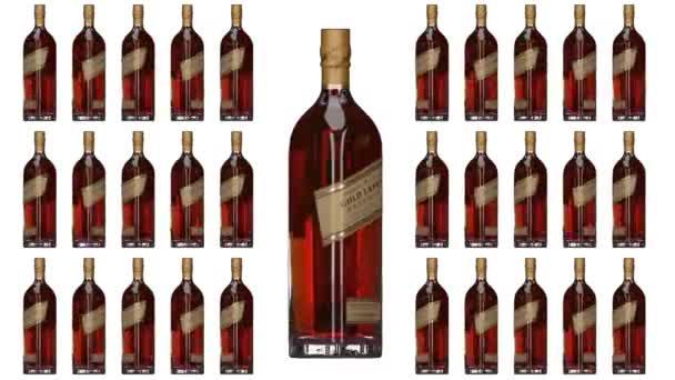 London. Anglia. Május 26. 2018. Johnnie Walker Gold Label tartalék. Johnnie Walker whiskey. Animált üveg és palackok. Forgó palackok. Whisky üveg animáció.