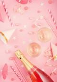 Holky party doplňky růžové pozadí. Pozvánka narozeniny, Rozlučka, baby sprcha koncept