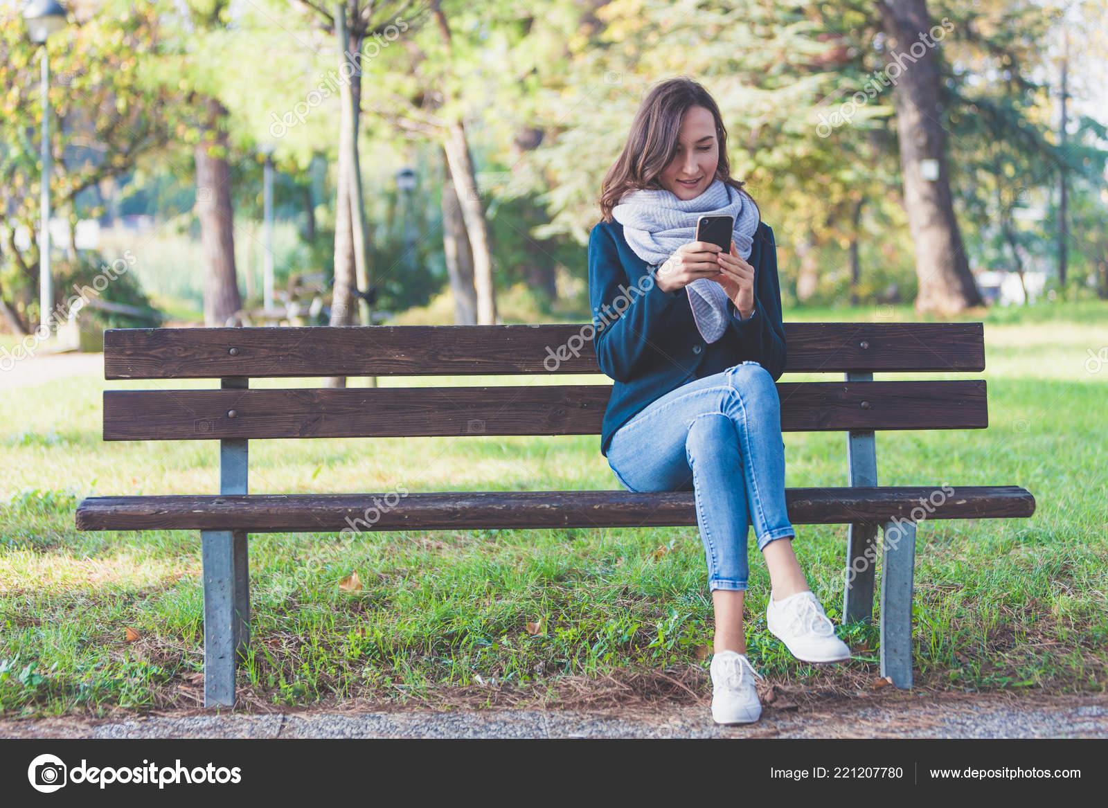 Datazione ragazza antisociale
