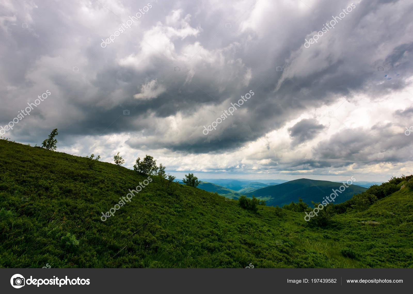 Paisaje Montaña Clima Lluvioso Paisaje Verano Precioso