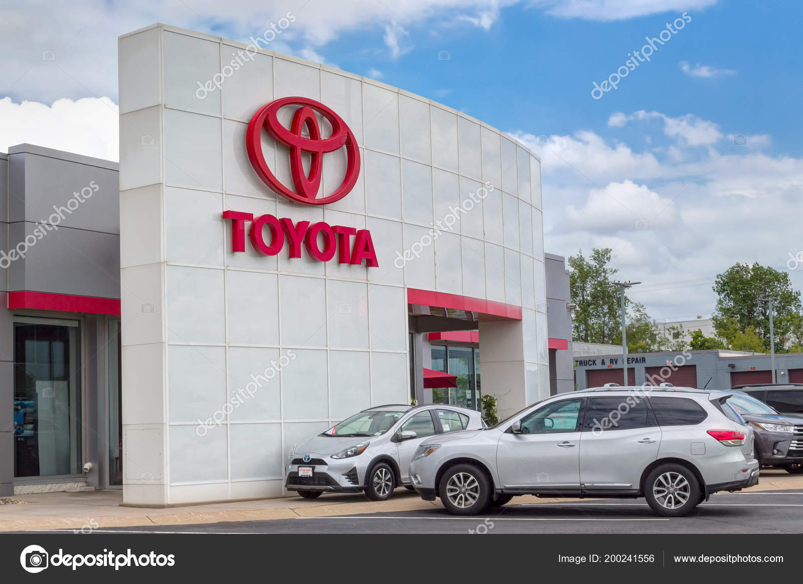 Inver Grove Heights Usa Junho 2018 Toyota Autombile Concessionária Exterior  U2014 Fotografia De Stock