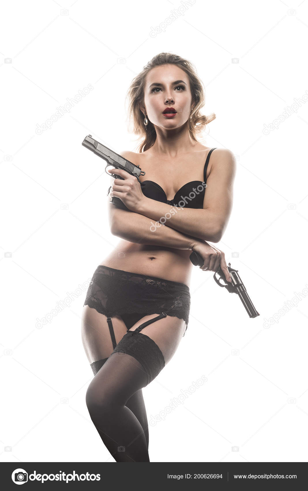 Arme Sexy fille gangster sexy avec arme poing sur fond blanc — photographie