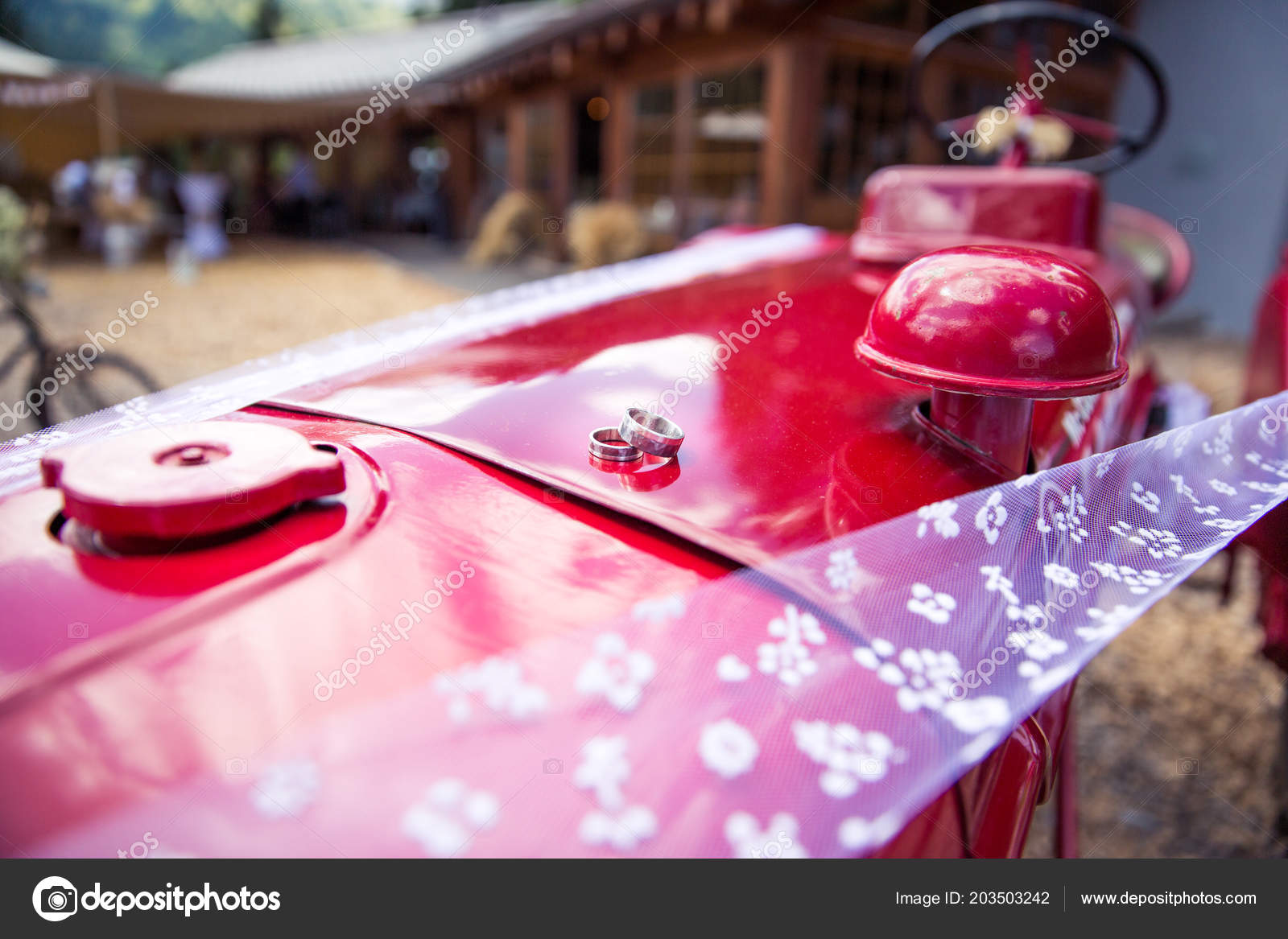 Wedding Rings Red Tractor Rustic Wedding Decoration — Stock Photo ...