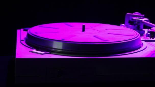 A vinil-rekordok a disco fény lemezjátszó
