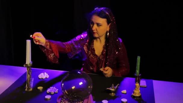 V magický salon gypsy světla svíček pro magické úkony