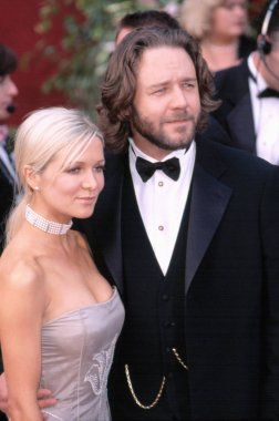 Russell Crowe and Danielle Spencer at the Academy Awards, 3/24/2002, LA, CA, by Robert Hepler.
