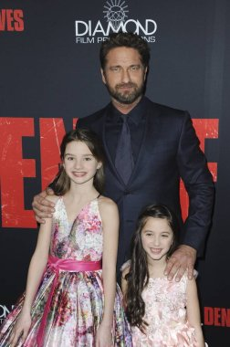 Elle Whifield, Gerard Butler, Madelyn Lazar at arrivals for DEN OF THIEVES Premiere, L.A. Live Regal Cinemas, Los Angeles, CA January 17, 2018. Photo By: Elizabeth Goodenough/Everett Collection