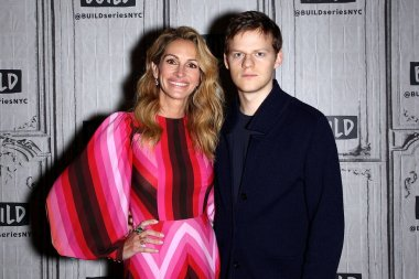 Julia Roberts, Lucas Hedges inside for AOL Build Series Celebrity Candids - MON, AOL Build Series, New York, NY December 3, 2018. Photo By: Steve Mack/Everett Collection