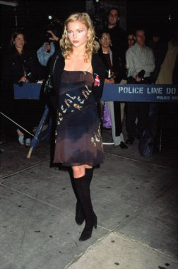 Izabella Miko at DENIS LEARY FIREFIGHTERS FOUNDATION BENEFIT, NY 10/15/2001
