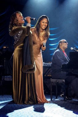 Patti Labelle, Aisha Morris, Stevie Wonder at arrivals for Angel Ball Benefit for G&P Foundation for Cancer Research, New York Marriott Marquis Hotel, New York, NY,  November 14, 2005. Photo by: Rob Rich/Everett Collection