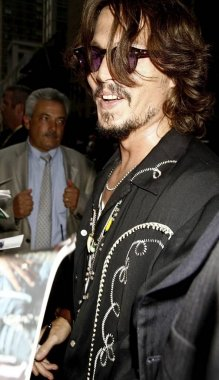 Jonny Depp at talk show appearance for The Late Show with David Letterman, The Ed Sullivan Theater, New York, NY, July 27, 2006. Photo by: Amy Sussman/Everett Collection
