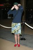 Sonya Kinski bei den Ankömmlingen für Ashes And Snow Nomadic Museum Exhibition Opening Night, Santa Monica Pier, Los Angeles, Ca, 12. Januar 2006. Foto: Jeremy Montemagni/Everett Collection