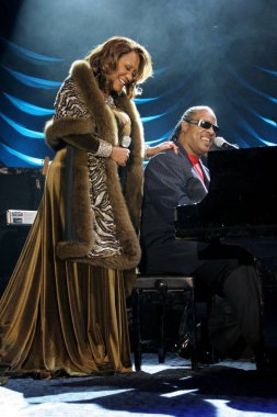 Patti Labelle, Stevie Wonder at arrivals for Angel Ball Benefit for G&P Foundation for Cancer Research, New York Marriott Marquis Hotel, New York, NY,  November 14, 2005. Photo by: Rob Rich/Everett Collection