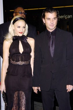 Gwen Stefani, Gavin Rossdale at arrivals for CONSTANTINE Premiere, Grauman''s Chinese Theater, Los Angeles, CA, February 16, 2005. Photo by: Michael Germana/Everett Collection