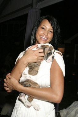 Rozonda  Chilli  Thomas inside for RUSH Philanthropic Arts Foundation ART FOR LIFE Benefit, Estate of Russell and Kimora Lee Simmons, East Hampton, NY,July 30, 2005. Photo by: Rob Rich/Everett Collection