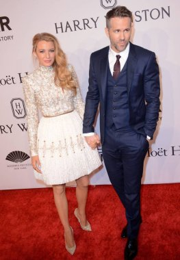 Blake Lively (wearing Chanel Couture), Ryan Reynolds at arrivals for amfAR New York Gala, Cipriani Wall Street, New York, NY February 10, 2016. Photo By: Derek Storm/Everett Collection