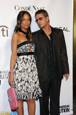 Rob Thomas, Marisol Thomas at arrivals for Conde Nast Fashion Rocks Concert, Radio City Music Hall, New York, NY, September 08, 2005. Photo by: Gregorio Binuya/Everett Collection