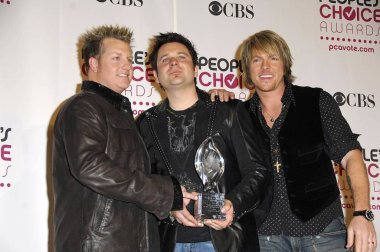 Rascal Flatts in the press room for The 33rd Annual Peoples Choice Awards - PRESS ROOM, The Shrine Auditorium, Los Angeles, CA, January 09, 2007. Photo by: Michael Germana/Everett Collection