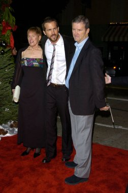 Ryan Reynolds, Parents at arrivals for JUST FRIENDS Premiere, Mann''s Village Theatre in Westwood, Los Angeles, CA, November 14, 2005