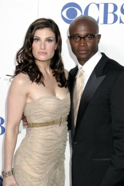 Idina Menzel and Taye Diggs at arrivals for American Theatre Wings Antoinette Perry 2005 Tony Awards, Radio City Music Hall, New York, NY, June 05, 2005. Photo by: Rob Rich/Everett Collection