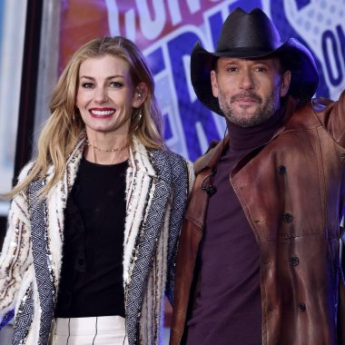 Tim McGraw, Faith Hill on stage for NBC Today Show Concert with Tim McGraw and Faith Hill, Rockefeller Plaza, New York, NY November 17, 2017. Photo By: Steven Ferdman/Everett Collection