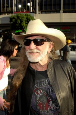 Willie Nelson at arrivals for THE DUKES OF HAZZARD Premiere, Grauman''s Chinese Theatre, Los Angeles, CA, July 28, 2005. Photo by: Michael Germana/Everett Collection