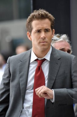 Ryan  Reynolds on location for THE PROPOSAL Films in New York, downtown Manhattan, New York, NY, June 06, 2008. Photo by: George Taylor/Everett Collection