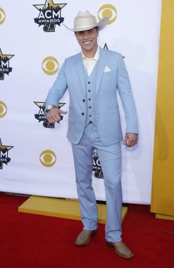 Dustin Lynch at arrivals for 50th Academy of Country Music (ACM) Awards 2015 - Part 3, Arlington Convention Center, Arlington, TX April 19, 2015. Photo By: MORA/Everett Collection
