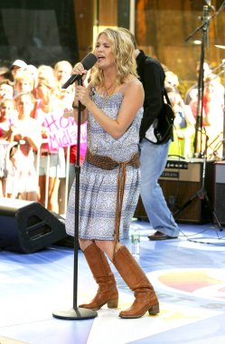 Carrie Underwood on stage for NBC Today Show Concert with AMERICAN IDOL CARRIE UNDERWOOD, Rockefeller Center, New York, NY, June 14, 2005. Photo by: Gregorio Binuya/Everett Collection